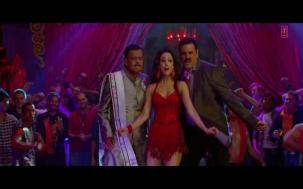 _Anarkali Disco Chali Full Song_ _ Housefull 2 _ Malaika Arora Khan[19-56-29]