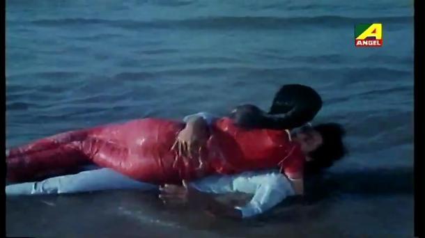 Chokher Aloye - Bengali Movie - 3_14 - YouTube(5)[(001106)20-25-32]