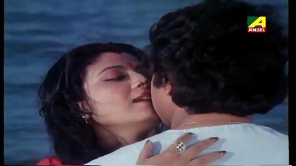 Chokher Aloye - Bengali Movie - 3_14 - YouTube(5)[(002203)20-26-23]