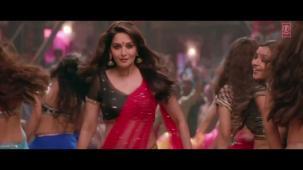 Ghagra Yeh Jawaani Hai Deewani_ Madhuri Dixit, Ranbir Kapoor[19-34-42]