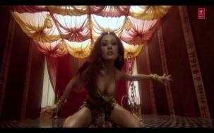 Saaki Saaki Full Song _ Musafir _ Sanjay Dutt _ Koena Mitra - YouTube(2)[20-35-12]