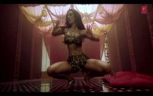 Saaki Saaki Full Song _ Musafir _ Sanjay Dutt _ Koena Mitra - YouTube(2)[20-37-22]