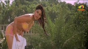 Sathi Leelavathi movie songs - Virahamlo song - Shamita Shetty, Shilpa Shetty[19-12-26]