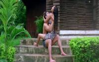Yeh Lamhe Judaai Ke - Part 8 Of 10 - Shah Rukh Khan - Raveena Tandon - Superhit Bollywood Movies - YouTube(4)[19-38-17]