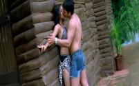 Yeh Lamhe Judaai Ke - Part 8 Of 10 - Shah Rukh Khan - Raveena Tandon - Superhit Bollywood Movies - YouTube(4)[19-38-42]