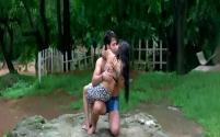 Yeh Lamhe Judaai Ke - Part 8 Of 10 - Shah Rukh Khan - Raveena Tandon - Superhit Bollywood Movies - YouTube(4)[19-43-55]