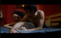 Kangana Ranaut shows Naked B00B